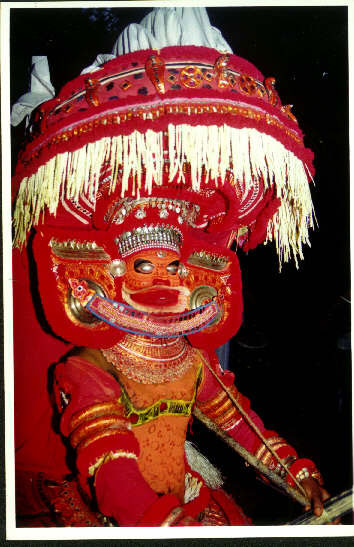 St. Thomas honoured in Kerala at local theyyam as healer